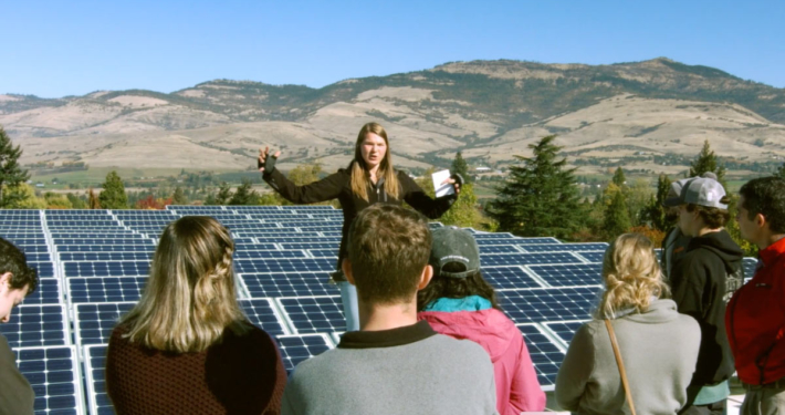 Students learn about excellence and innovation in sustainability at SOU